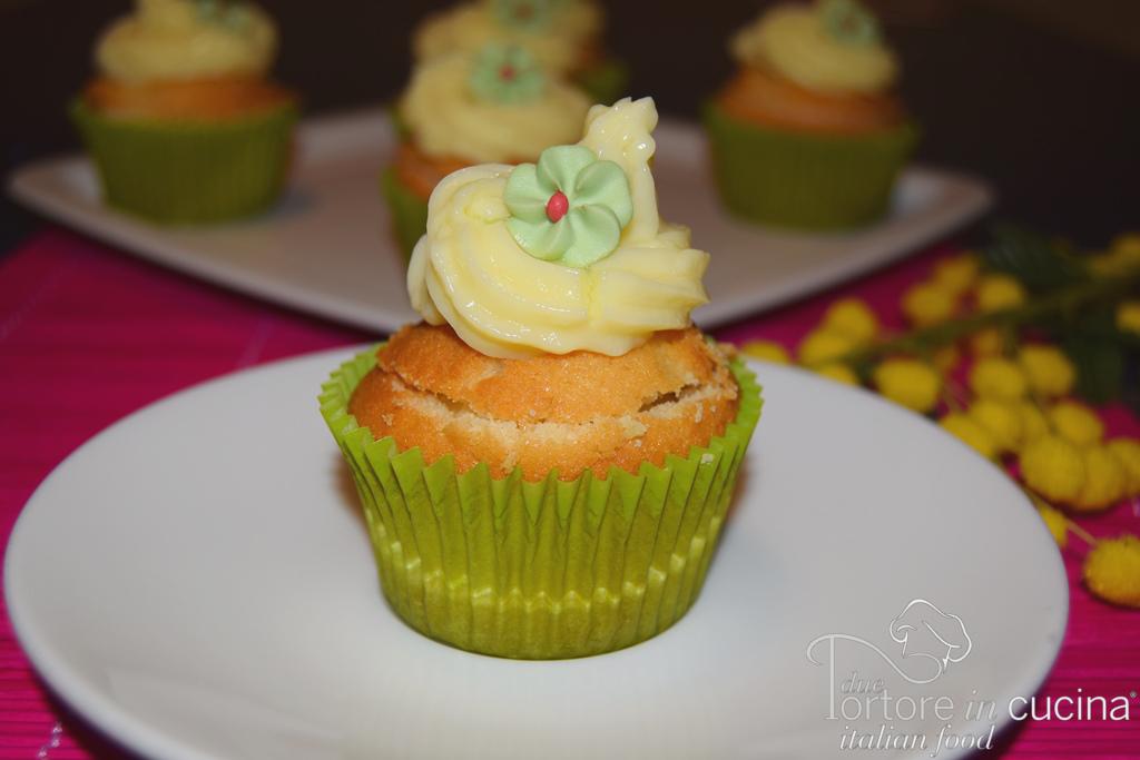 Cupcakes con crema pasticcera