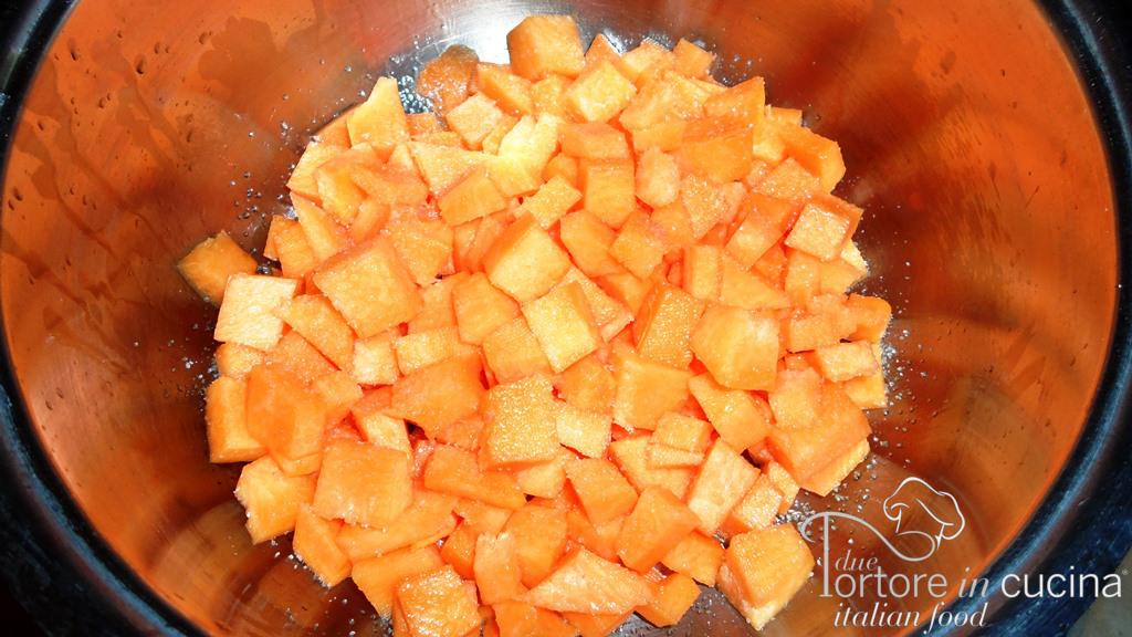 Zucca cruda per pasta e zucca