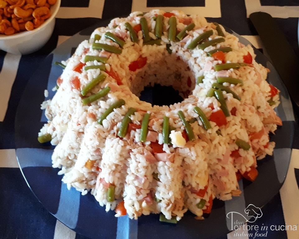 insalata di riso classica con tonno